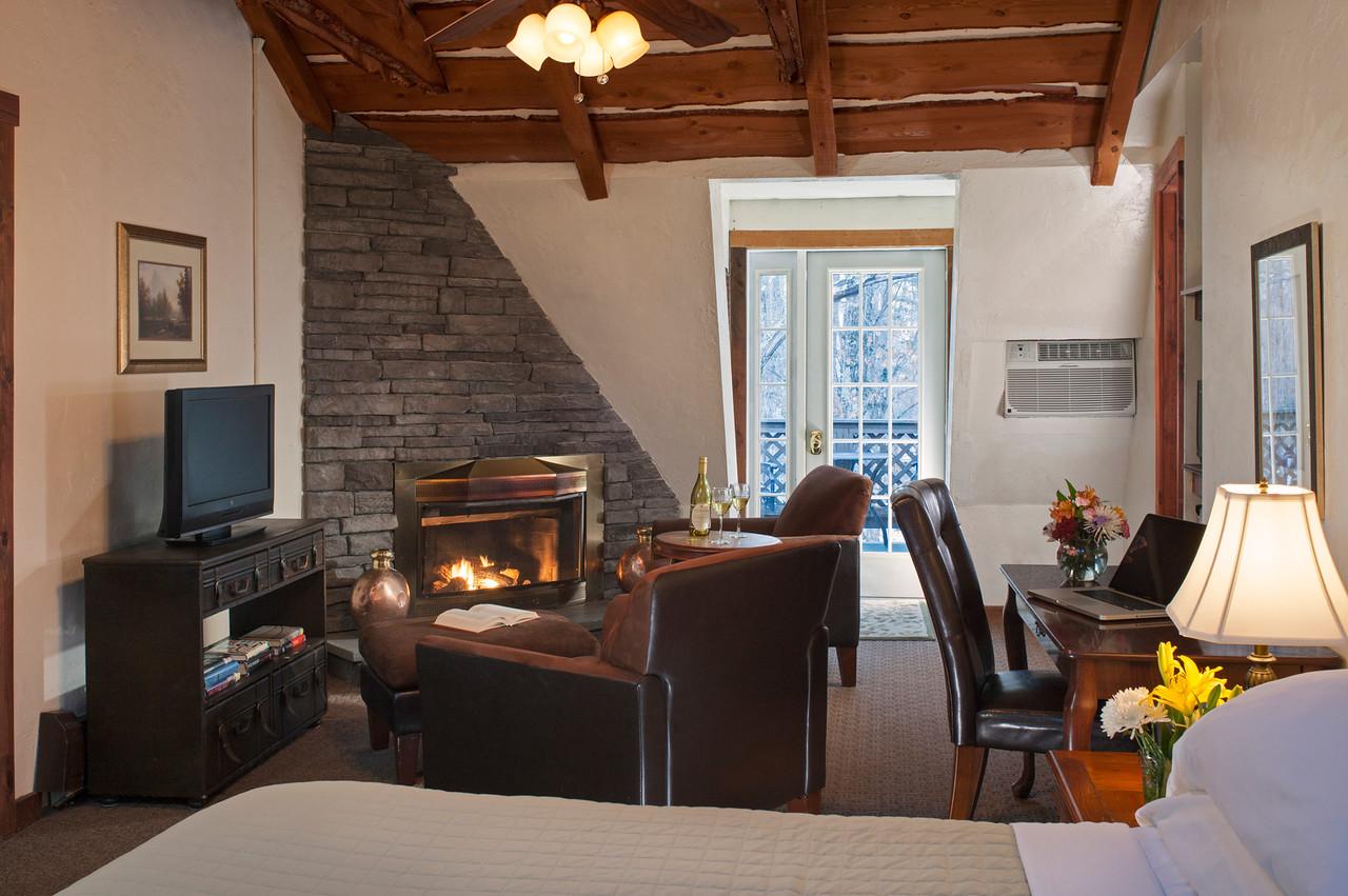 Chestnut Guestroom