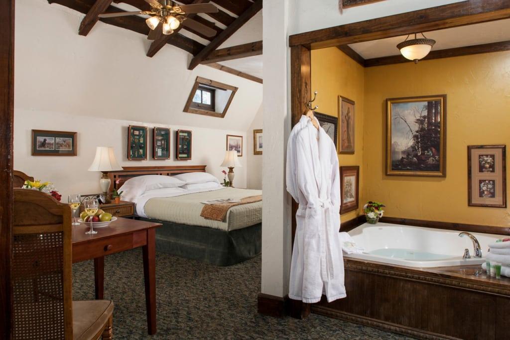 Dogwood guestroom