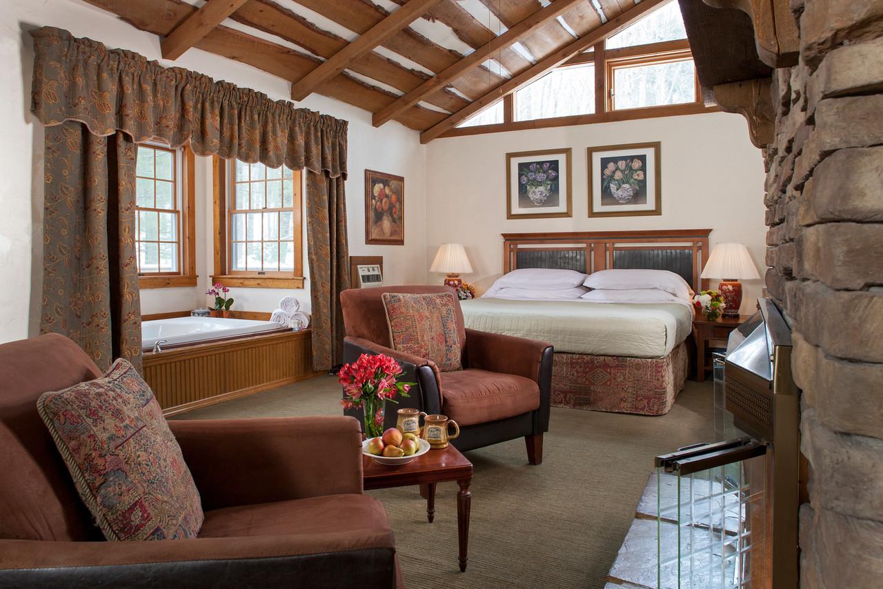 Cottage Hemlock Guestroom