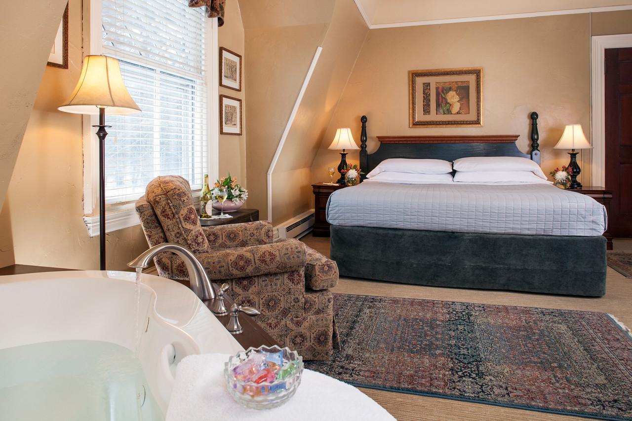 Bluejay bedroom