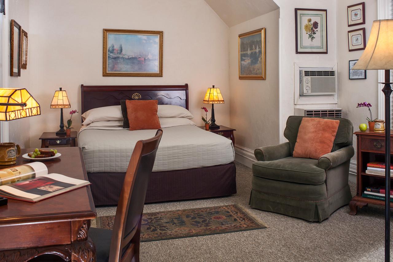 Mallard Guestroom