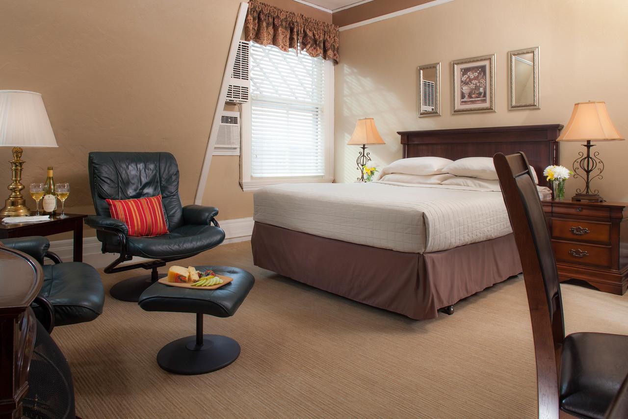 Meadowlark Guestroom