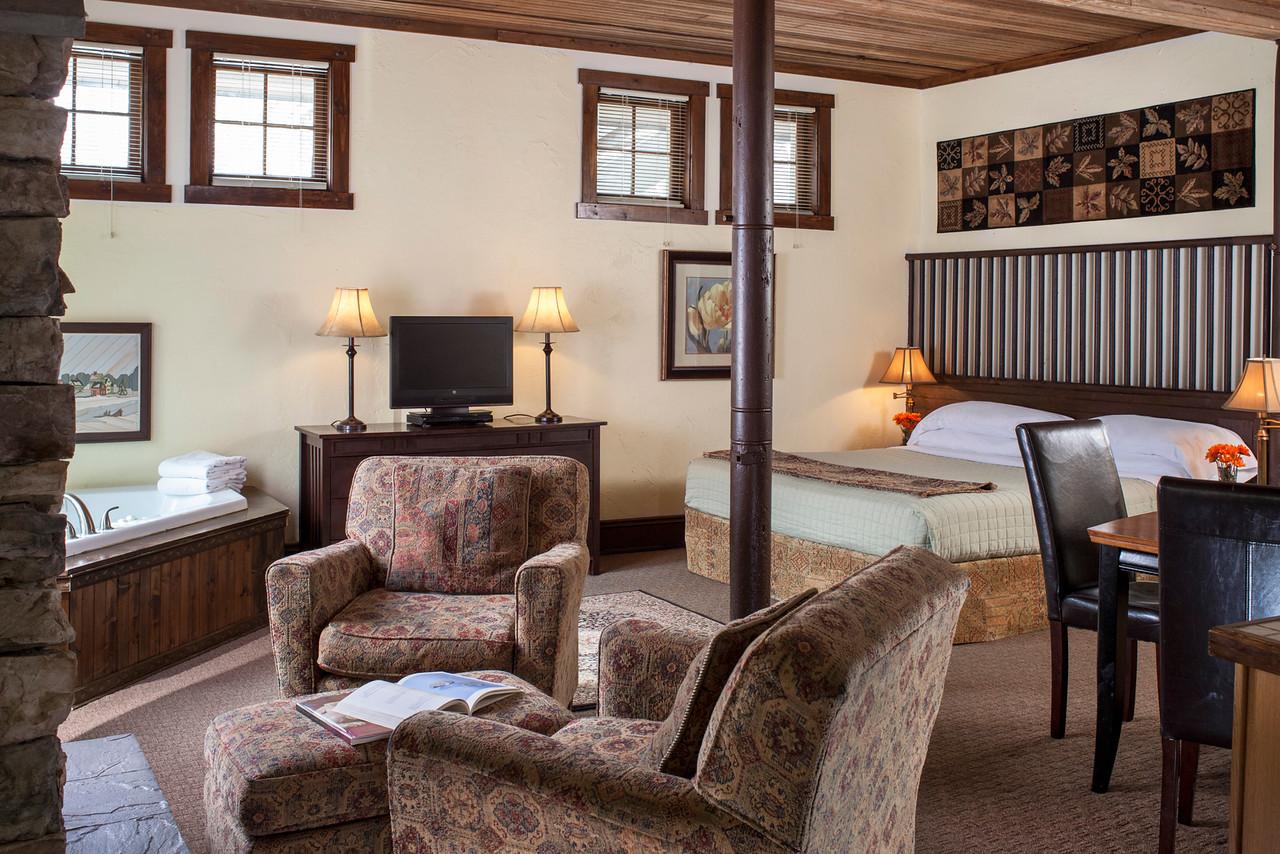 Willow guestroom