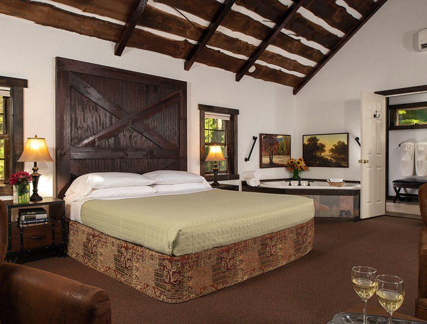 Room with Whirlpool Bath