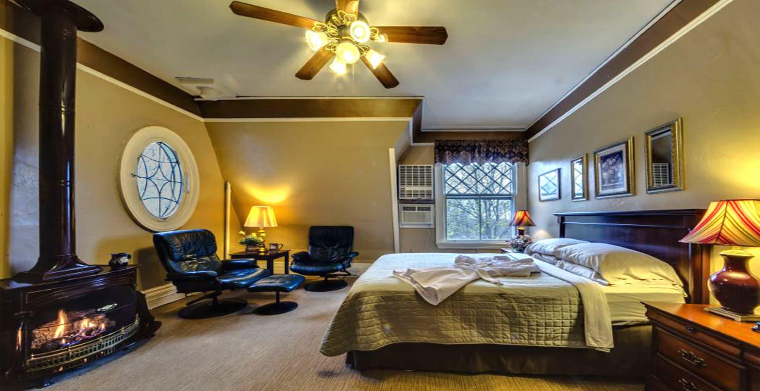 Bronze Level Room